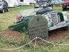 Land-rover-in-grave